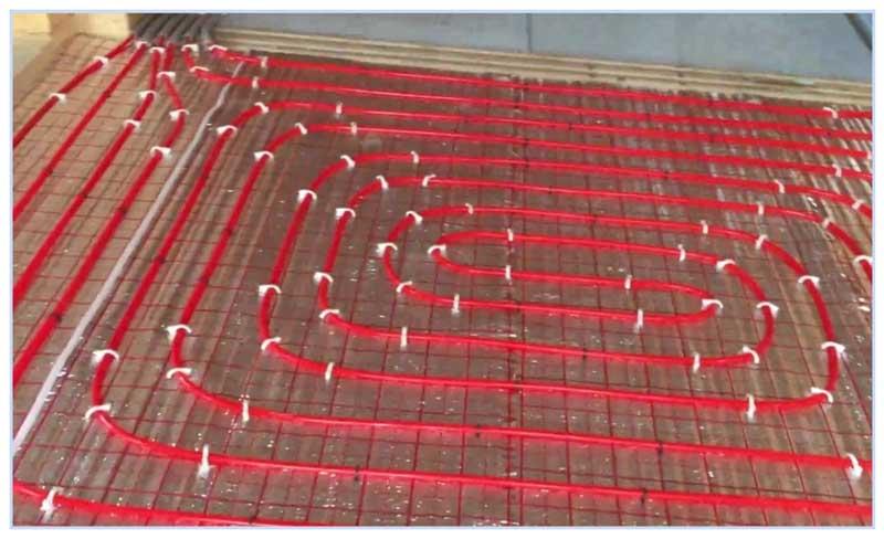 Монтаж трубопроводов в коллекторной системе