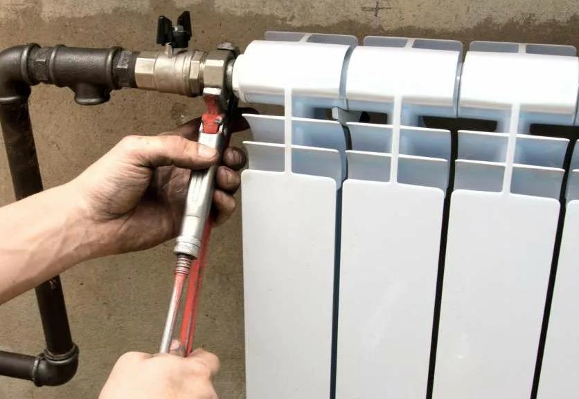 Как заменить батарею отопления в квартире своими руками